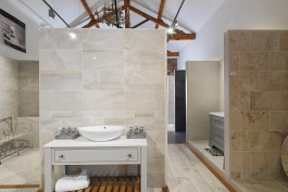 porcelain-tiles-bathroom-shoroom