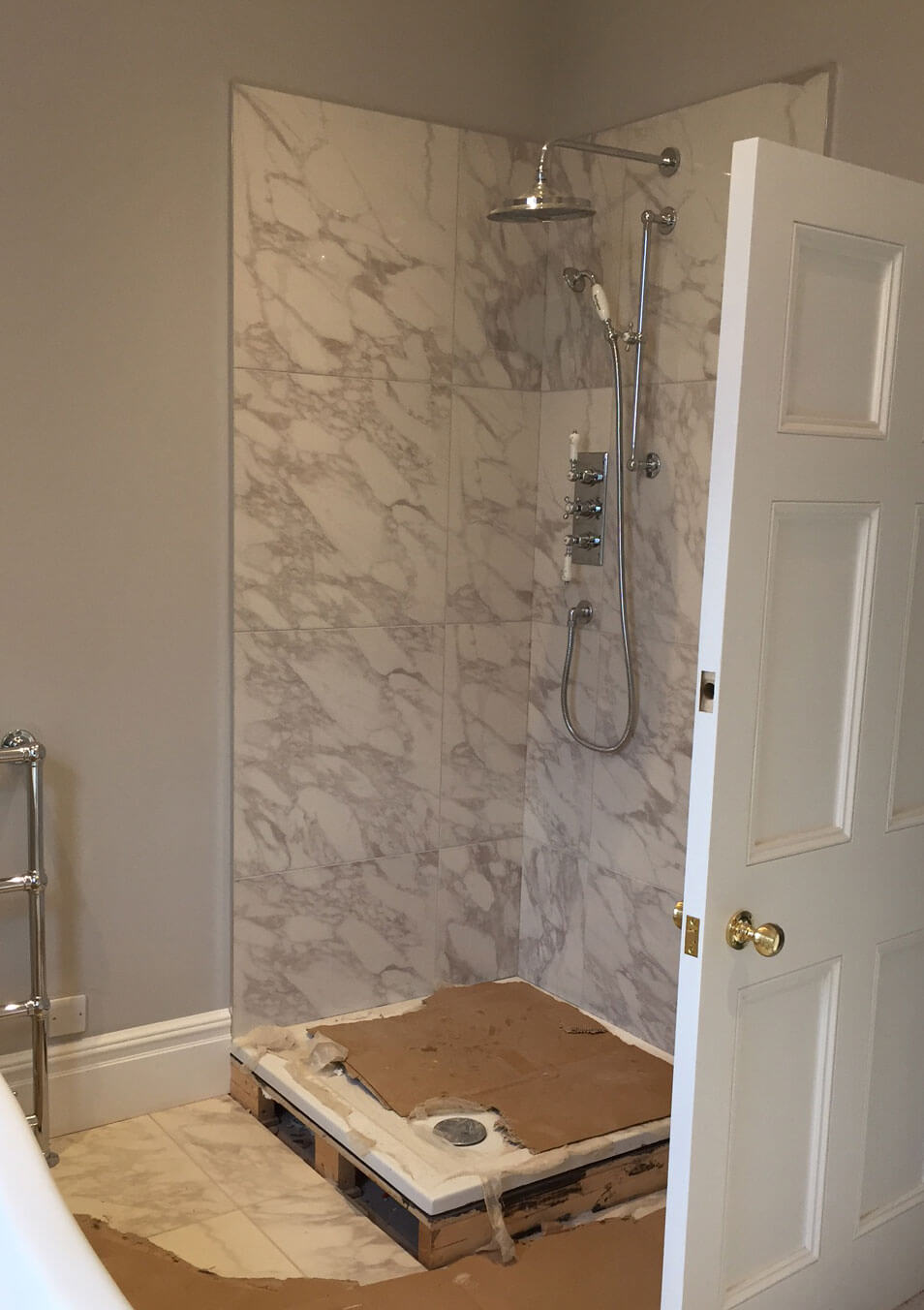 Marble Effect Shower Tiles